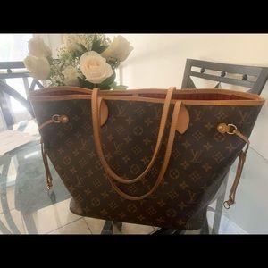 Authentic Louis Vuitton Neverfull mm purse! ❤️❤️💋